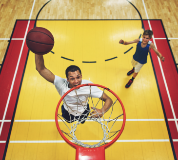 basketball player nearing the hoop